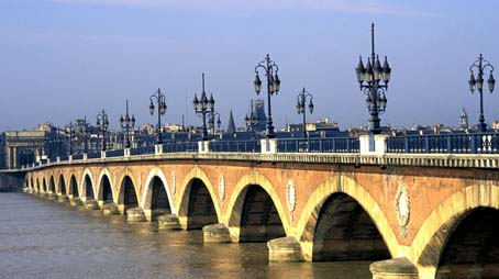 header-highlights-bordeaux-bridge