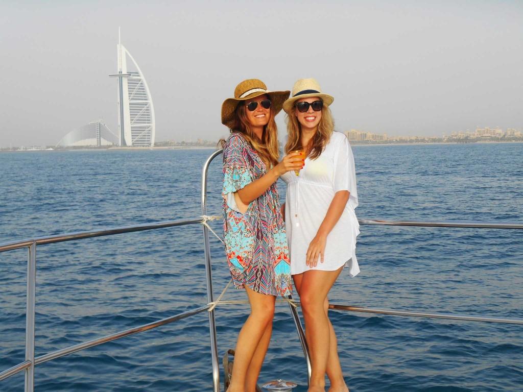 girls-boat
