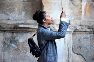 Learn how to use your smartphone while abroad with the following tips.